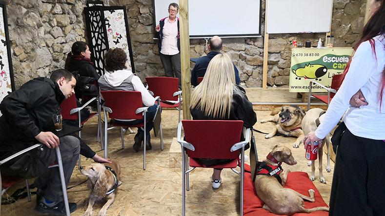 nuria-frances-formacion-escuela-canina-la-tejera-3